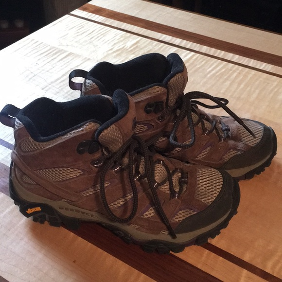 ea7e0e3ba Merrell Women s Moab 2 Mid Ventilator Hiking Boots.  M 5b92b18b34a4efde335bfce4